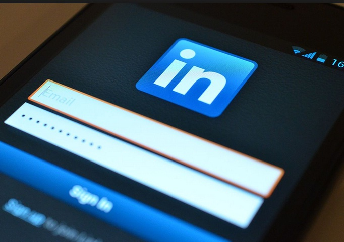 ways-to-bring-linkedin-into-your-company-website